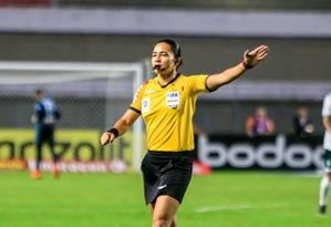 Edina Alves, primeira árbitra brasileira em uma Copa do Mundo de futebol Foto: Ailton Cruz / CBF