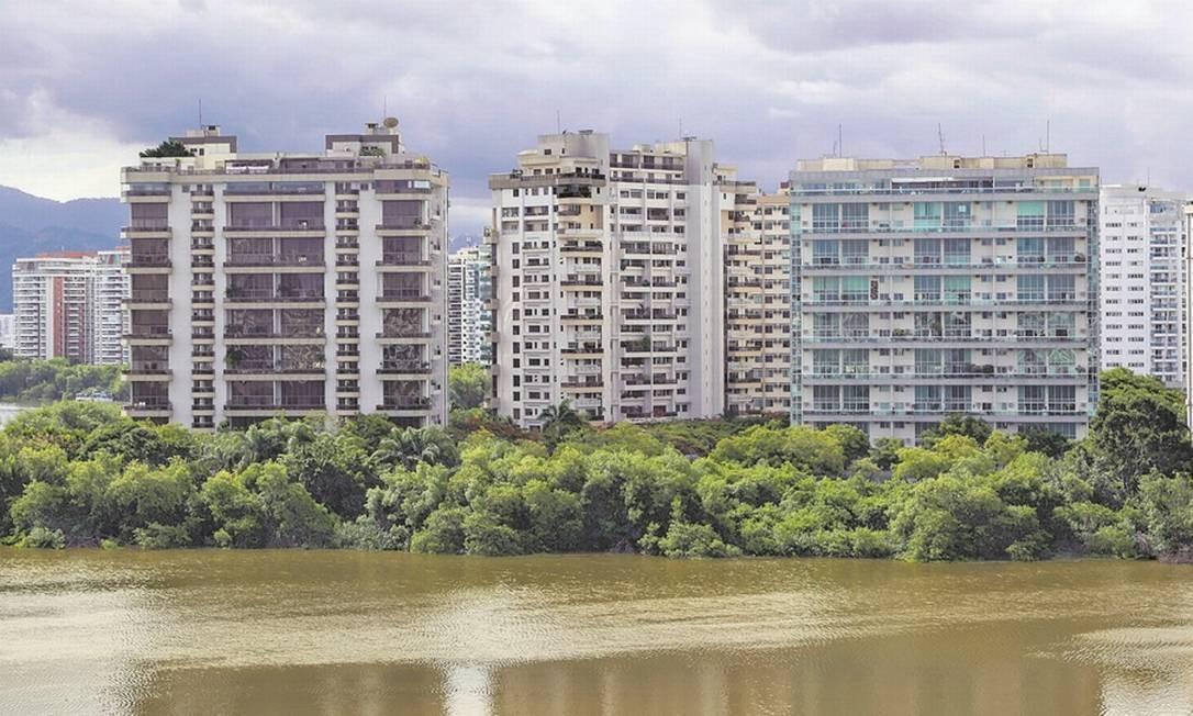 Na Barra, a proporção entre o valor do aluguel e a taxa de condomínio, com base no metro quadrado médio, passou de 24,1%, em 2012, para 39,9%, neste ano. Foto: Marcos Ramos
