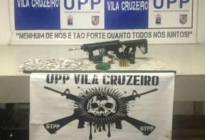 Material apreendido pela polícia na Vila Cruzeiro Foto: Divulgação/ Pmerj