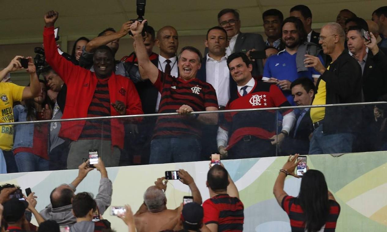 Presidente e Ministro da Justiça assistiram a partida do Flamengo e CSA no estádio Mané Garrincha pelo Campeonato Brasileiro Foto: Jorge William / Agência O Globo
