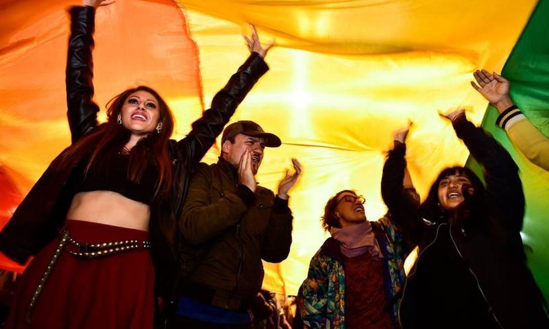 Equatorianos comemoram decisão que legalizou casamento homossexual no país Foto: Rodrigo Buendia / AFP