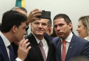 O relator da previdência, Samuel Moreira (PSDB-SP) e Marcelo Ramos (PL-AM), presidente da Comissão da Reforma Foto: Jorge William / Agência O Globo