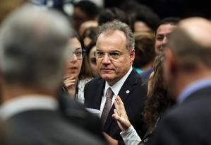 O relator da reforma da Previdência, deputado Samuel Moreira (PSDB-SP), ao fim da leitura de seu relatório na Câmara Foto: Jorge William