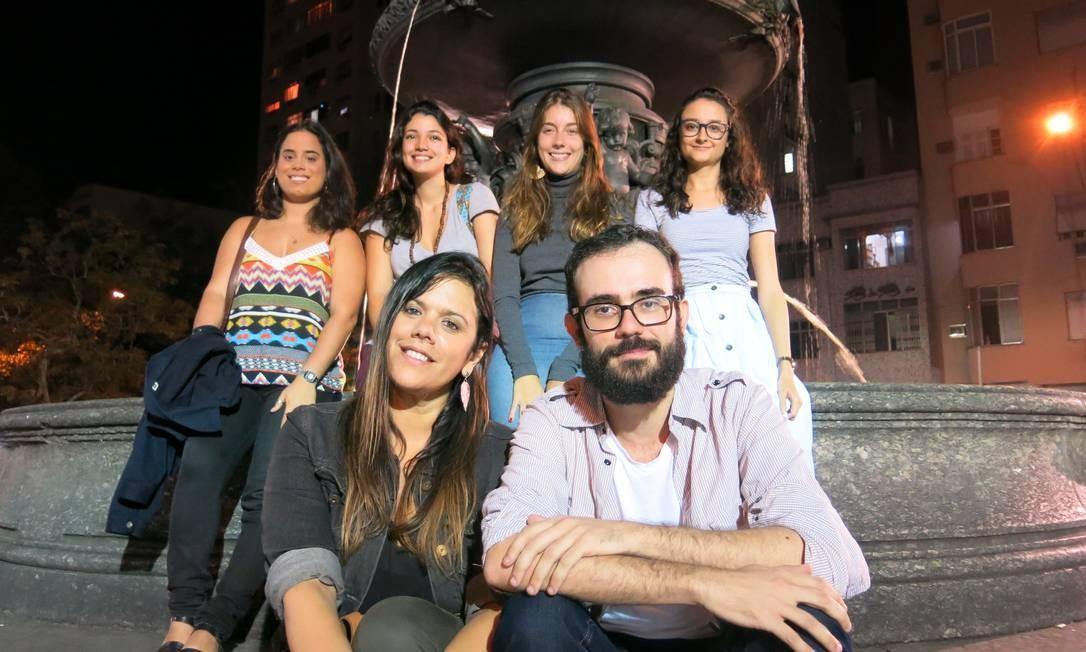 Praça Terapia oferece consultas gratuitas para quem aparecer na São Salvador às quintas-feiras Foto: Paulo Assad / Agência O Globo