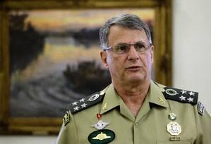 O Comandante do Exército afirmou que os soldados estarão sempre 'atentos e vigilantes' Foto: Jorge William / Agência O Globo