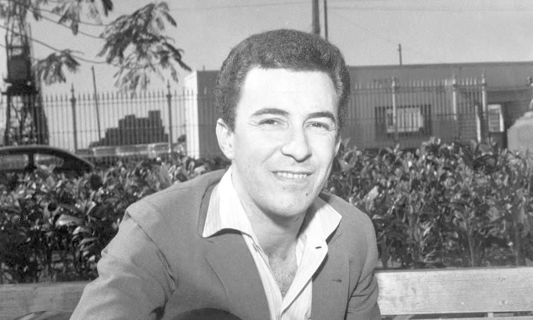 João Gilberto Pereira de Oliveira nasceu em Juazeiro, na Bahia, em 10 de junho de 1931, e dedicou-se à música desde a adolescência. Ele se mudou para o Rio em 1950, mas não conseguiu sucesso inicialmente Foto: Arquivo / Agência O Globo