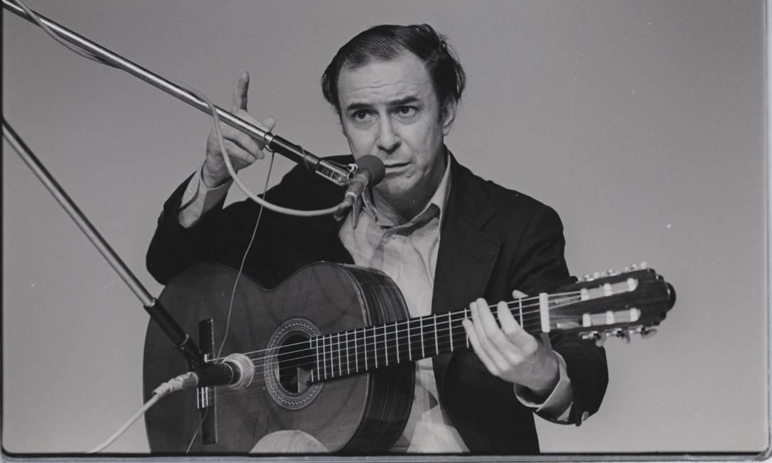 """O cantor João Gilberto gravou o seu disco de estreia, """"Chega de Saudade"""", em 1957 Foto: Arquivo / Agência O Globo"""