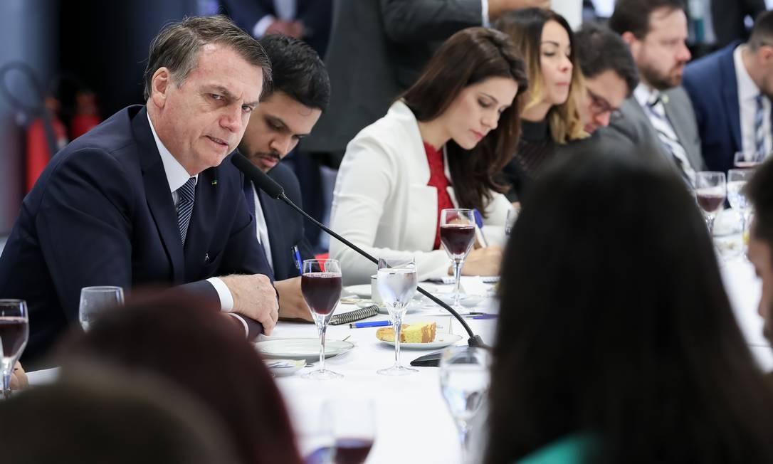 O presidente Jair Bolsonaro toma café da manhã com jornalistas no Palácio do Planalto Foto: Marcos Corrêa