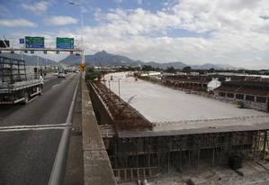 A obra entrou na fase final de fundações e instalação de grandes estruturas. Foto: Fábio Guimarães / Agência O Globo