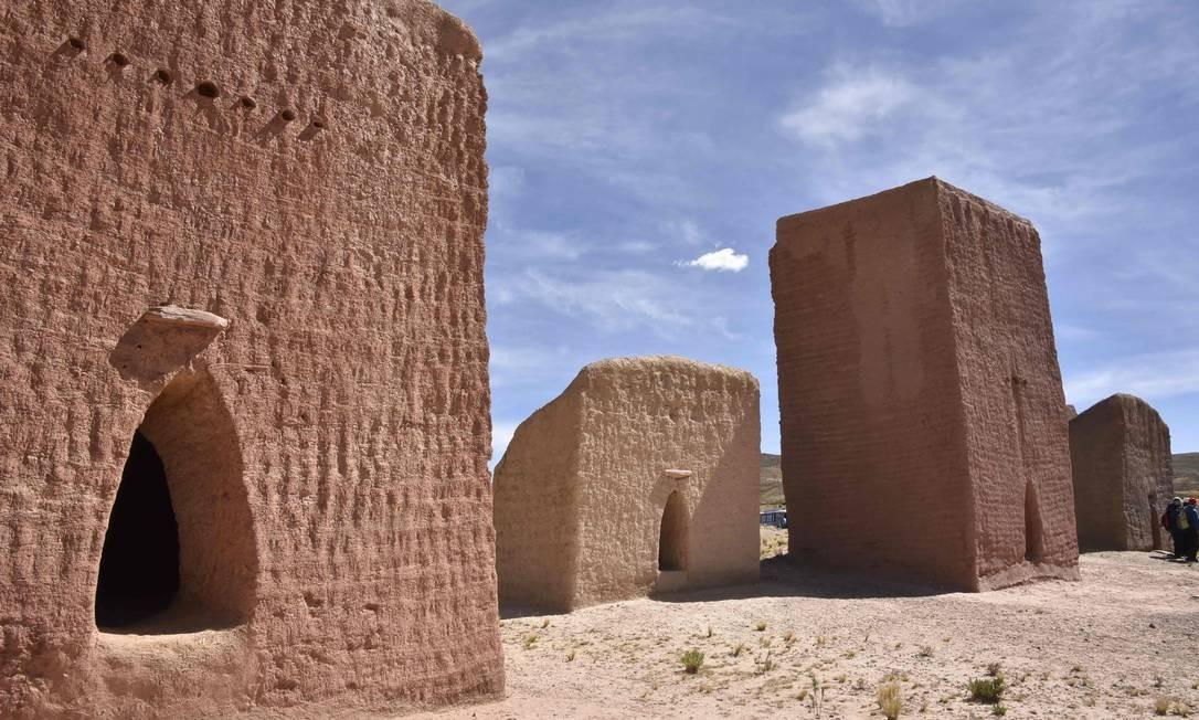 Chullpas são encontrados em todo o Altiplano, no Peru e na Bolívia. Os mais altos têm cerca de 12 metros de altura Foto: AIZAR RALDES / AFP