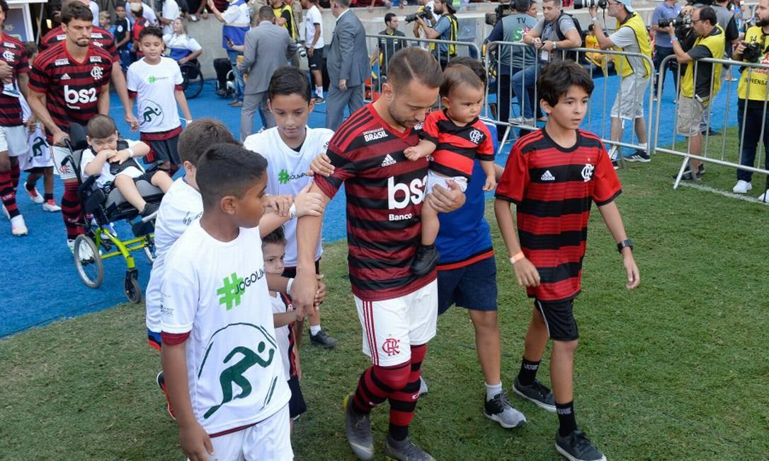 Bem avaliado no Flamengo, Everton Ribeiro ganha status de referência