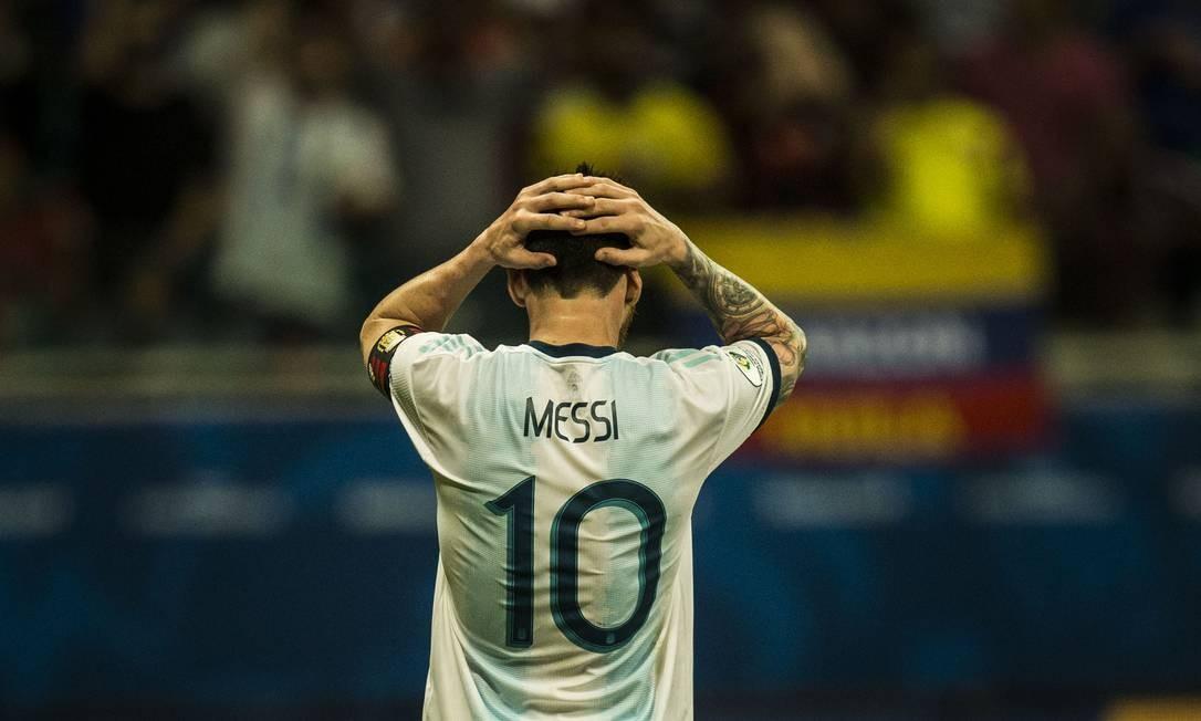 O atancante Messi não conseguiu evitar a derrota da Argentina para a Colômbia Foto: Guito Moreto / Agência O Globo