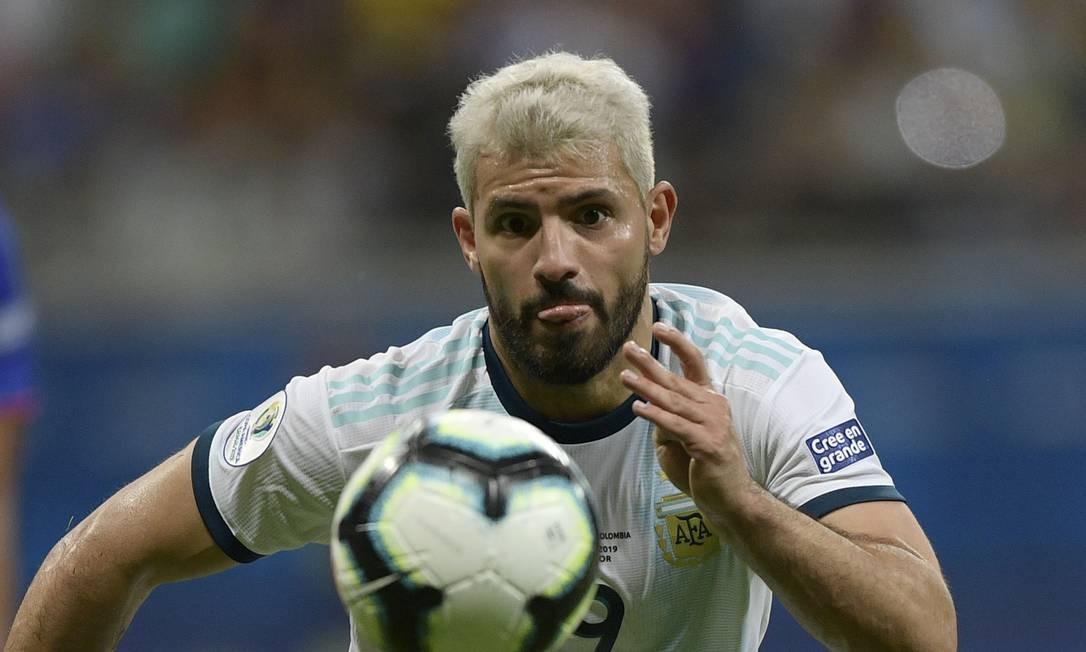 Sergio Aguero jogador da Argentina. O time argentino perdeu a primeira partida da Copa América. Foto: JUAN MABROMATA / AFP