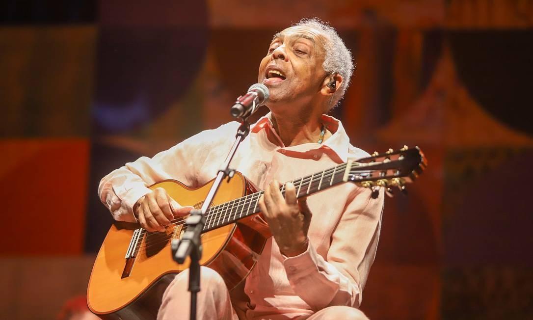 Gillberto Gil no palco do Vivo Rio: show dominado por canções novas e lados B Foto: Ricardo Nunes / Divulgação