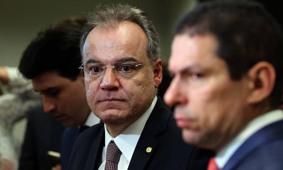 O relator da reforma da Previdência, deputado Samuel Moreira (PSDB-SP), afirma que texto ainda pode ser modificado Foto: Jorge William / Agência O Globo