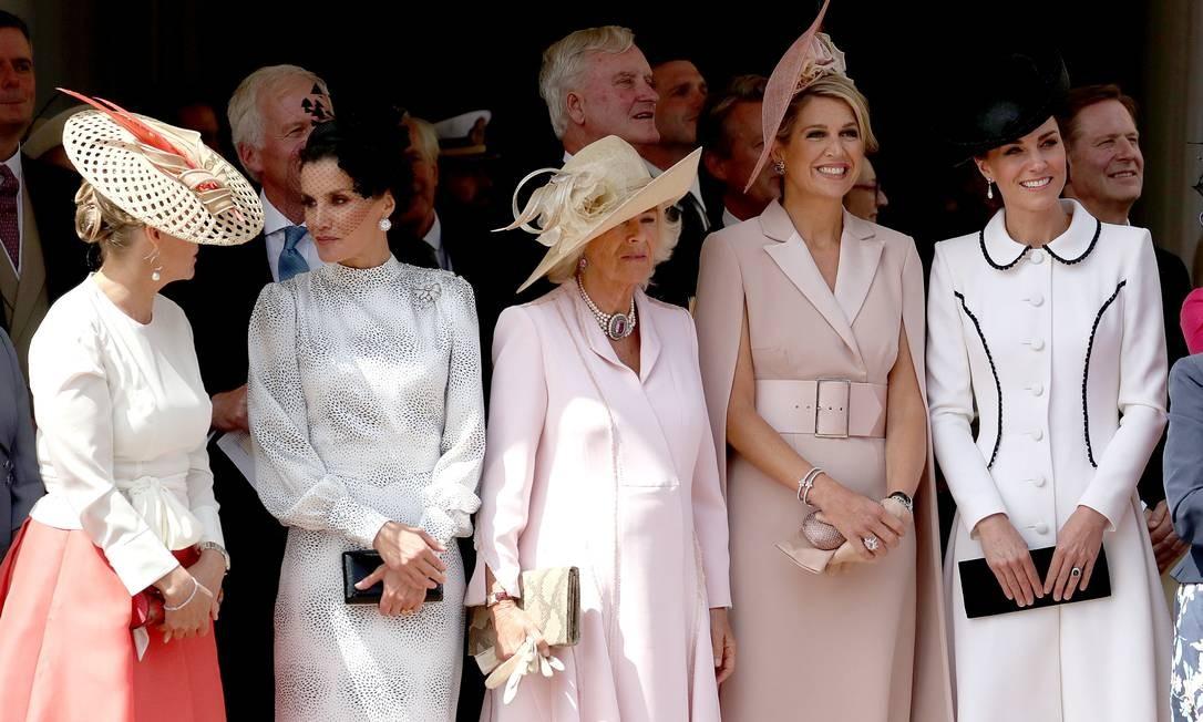 A condessa Sophie, a rainha Letizia, a duquesa Camilla, a rainha Máxima e Kate Middleton assistem à Cerimônia da Ordem da Jarreteira, no Castelo de Windsor Foto: Steve Parsons / POOL / REUTERS