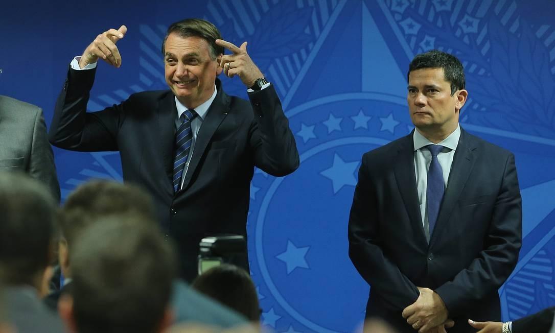 'Quem quer desarmar o povo é porque quer o poder absoluto', diz Bolsonaro