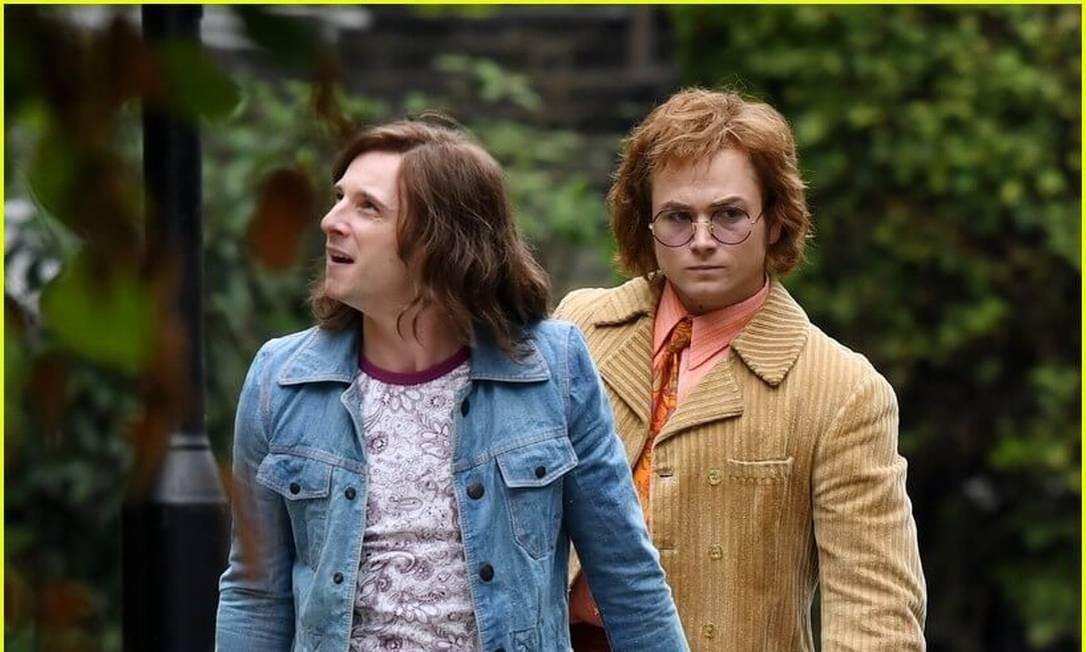 'Minha vida não é censura livre', diz Elton John