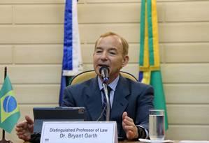O professor e jurista norte-americano Bryant Garth, vice-reitor da Universidade da Califórnia, em seminário na Escola de Magistratura do Estado do Rio de Janeiro (EMERJ) no dia 17 de junho. Foto: Rosane Naylor / Divulgação