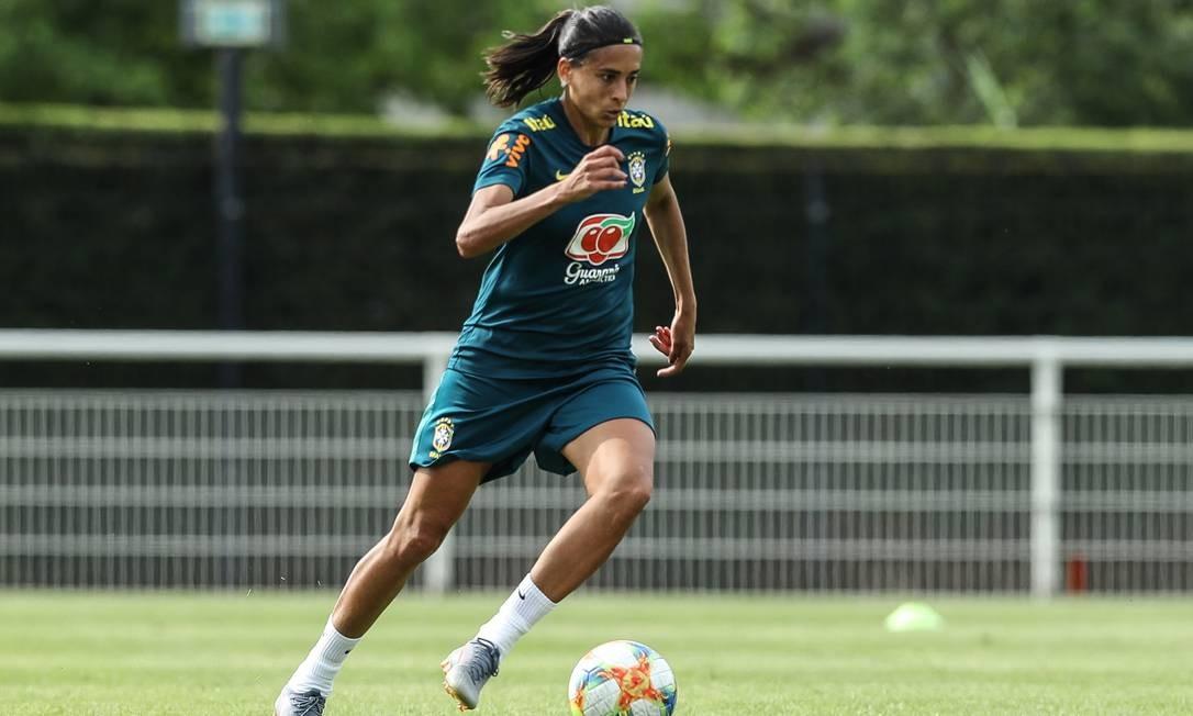 A atacante Andressa Alves se lesionou no último treino da seleção brasileira antes do confronto contra a Itália Foto: Rener Pinheiro / Mowa Press