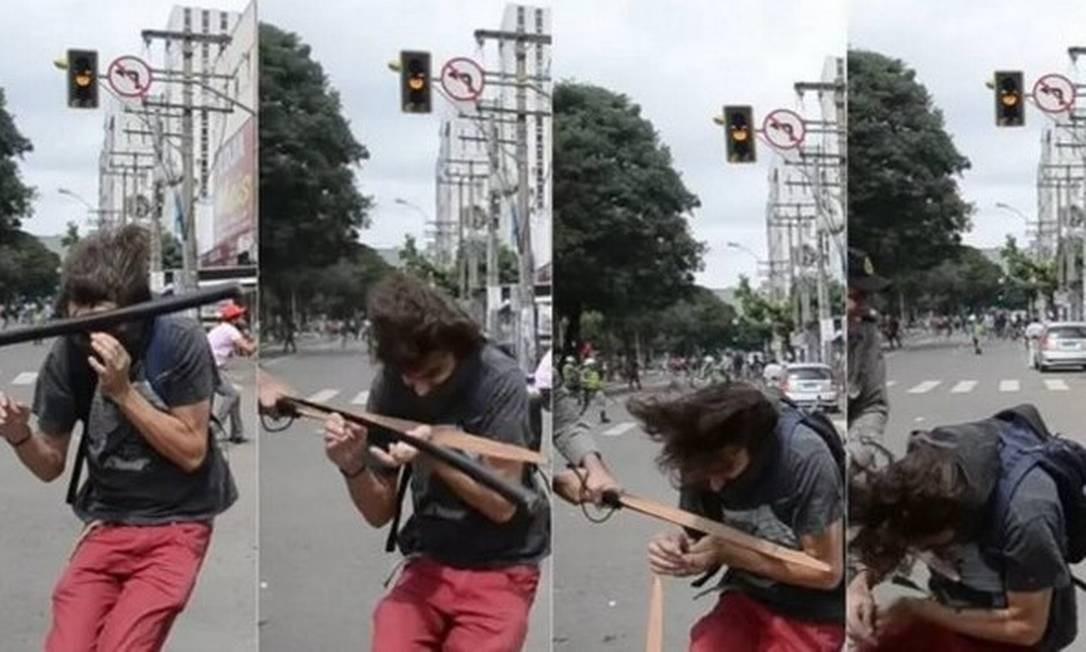 Capitão Augusto Sampaio de Oliveira Neto atingiu com cassetete estudante Mateus Ferreira da Silva Foto: Reprodução