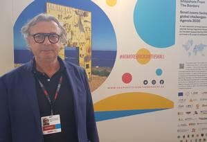 O prefeito de Lampedusa, Salvatore Martello. A ilha italiana do Mediterrâneo ficou marcada por um traumático naufrágio que matou 368 migrantes em 2013 Foto: Heloísa Traiano