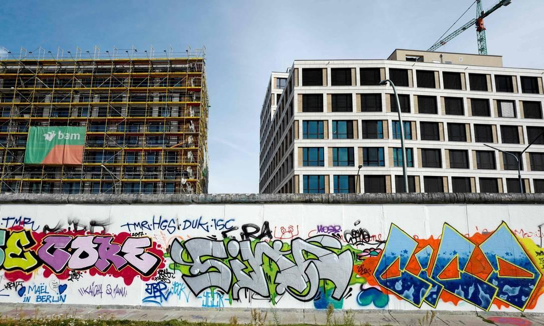 Apesar da alta nos últimos anos, o aluguel em Berlim ainda é mais barato que em outras metrópoles da Europa Foto: John Macdougall / AFP