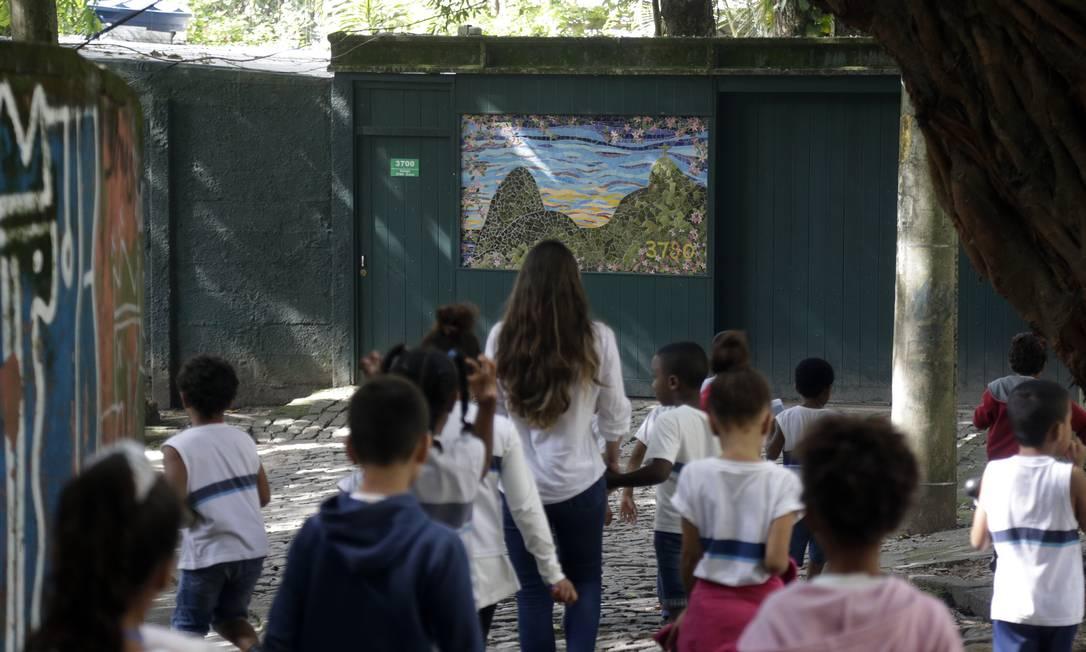 Nível de instrução dos brasileiros ainda é baixo Foto: Antonio Scorza / Agência O Globo