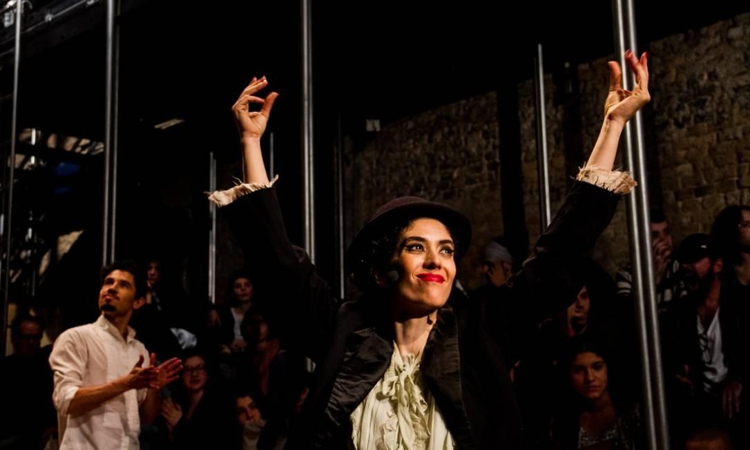 A atriz Camila Mota assina a direção artística do espetáculo Foto: Divulgação/Jennifer Glass