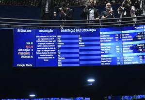 Senado aprovou, por 47 votos favoráveis e 28 contrários, projetos que derrubam os decretos editados pelo presidente Jair Bolsonaro para flexibilizar o porte de armas Foto: Marcos Oliveira/Agência Senado