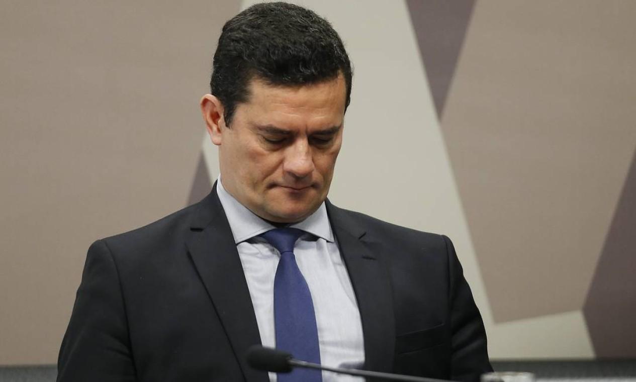O ministro teve 30 minutos de exposição inicial e depois passou a responder questionamentos dos parlamentares Foto: Jorge William / Agência O Globo