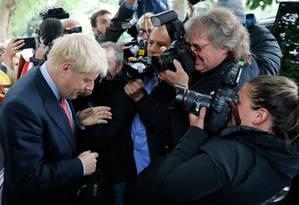 """Boris Johnson, favorito na disputa pelo comando do Partido Conservador do Reino Unido, venceu com folga mais uma rodada de votações. Ele é um dos maiores defensores do Brexit e prometeu tirar o país da União Europeia no dia 31 de outubro """"com ou sem acordo"""" Foto: TOLGA AKMEN / AFP"""