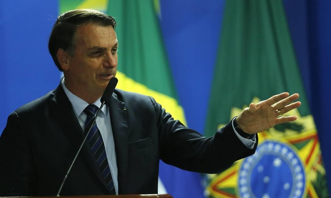 Bolsonaro tira articulação política da Casa Civil, comandada pelo ministro Onyx Lorenzoni, e transfere para general que vai assumir secretaria no lugar de Santos Cruz Foto: Jorge William / Agência O Globo