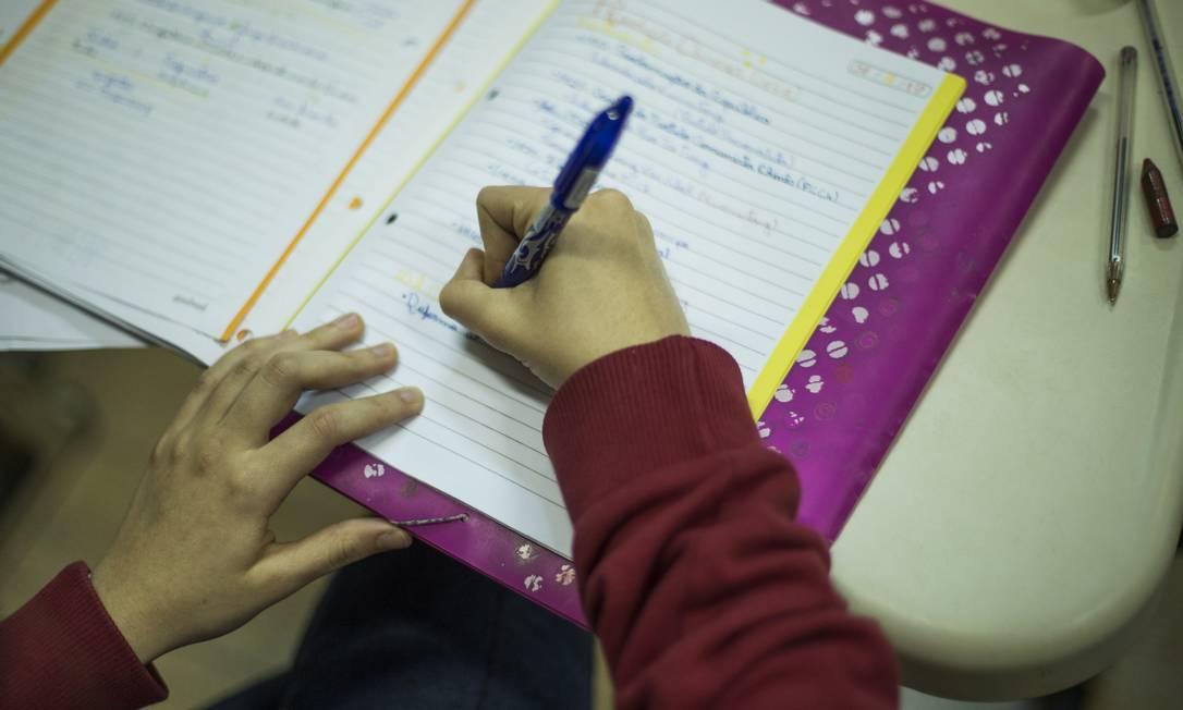 Educadores dizem que caso área não seja priorizada, resultados vão se repetir Foto: Guito Moreto / Agência O Globo