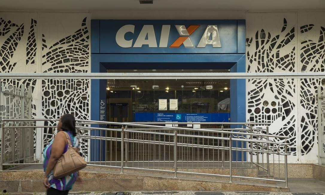 Justiça condenou a Caixa a pagar dano moral coletivo pelo excesso de tempo de espera nas filas das agências em Dourados (MS) Foto: Gabriel Monteiro / Agência O Globo