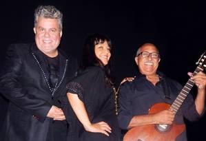 Milton Cunha (à esquerda), Bianca Cardoso e Jorge Cardoso se apresentam na Sala Baden Powell Foto: Divulgação