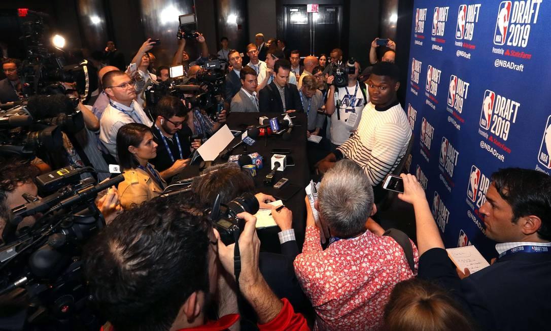 Zion Williamson é o principal candidato a ser a primeira escolha Foto: Mike Lawrie / AFP