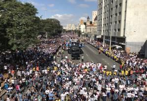 Multidão acompanha Marcha para Jesus nesta quinta-feira, em São Paulo Foto: Edilson Dantas / Agência O Globo