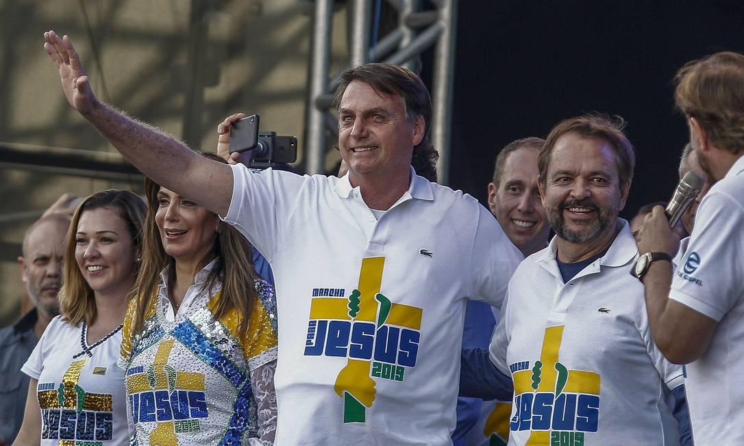 """Jair Bolsonaro participa da 27ª edição da """"Marcha para Jesus"""" para celebrar o Corpus Christi, em São Paulo Foto: MIGUEL SCHINCARIOL / AFP"""