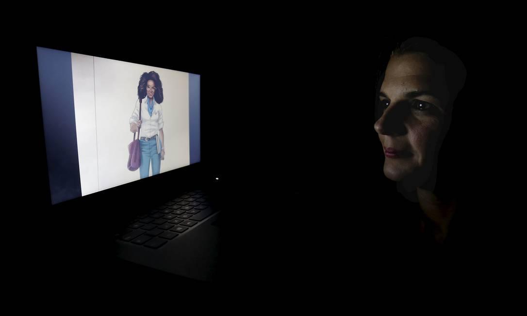 Liliana Sebusiani é responsável pela equipe por trás da Eva, robô de atendimento da Universidade Estácio de Sá Foto: Marcelo Theobald / Agência O Globo