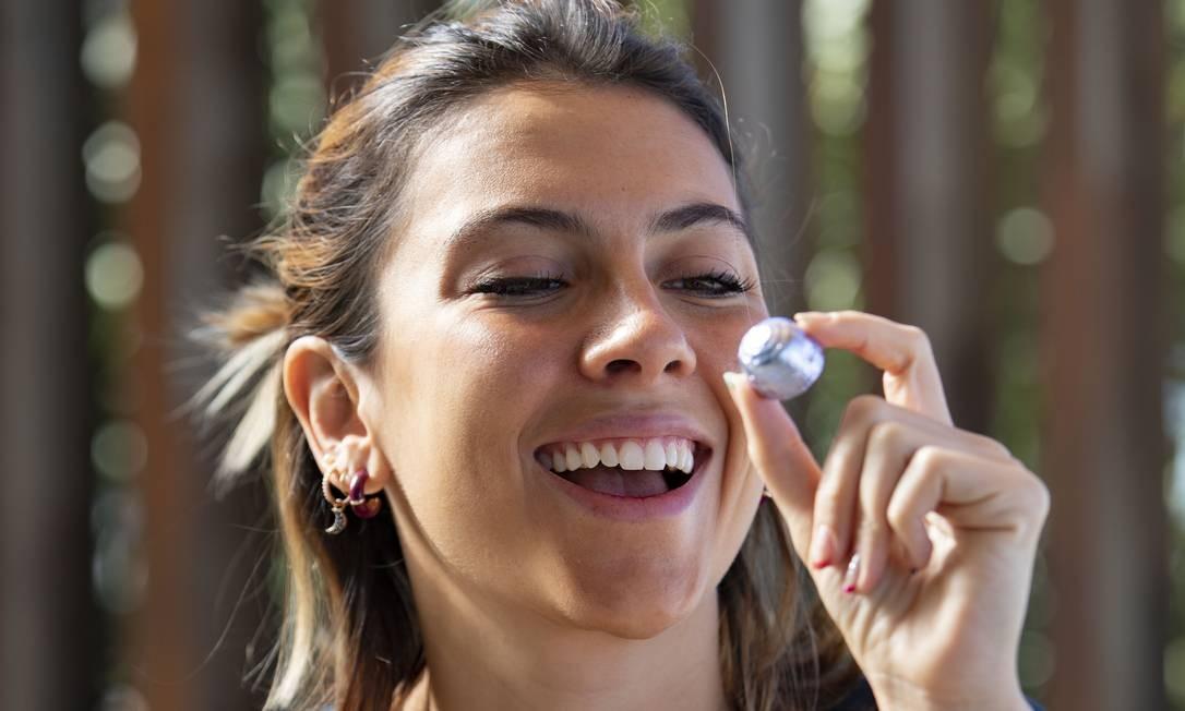 Beatriz Ferreira é uma das que aderiram o chocolate manipulado em farmacias especializadas. Foto: Ana Branco / Agência O Globo