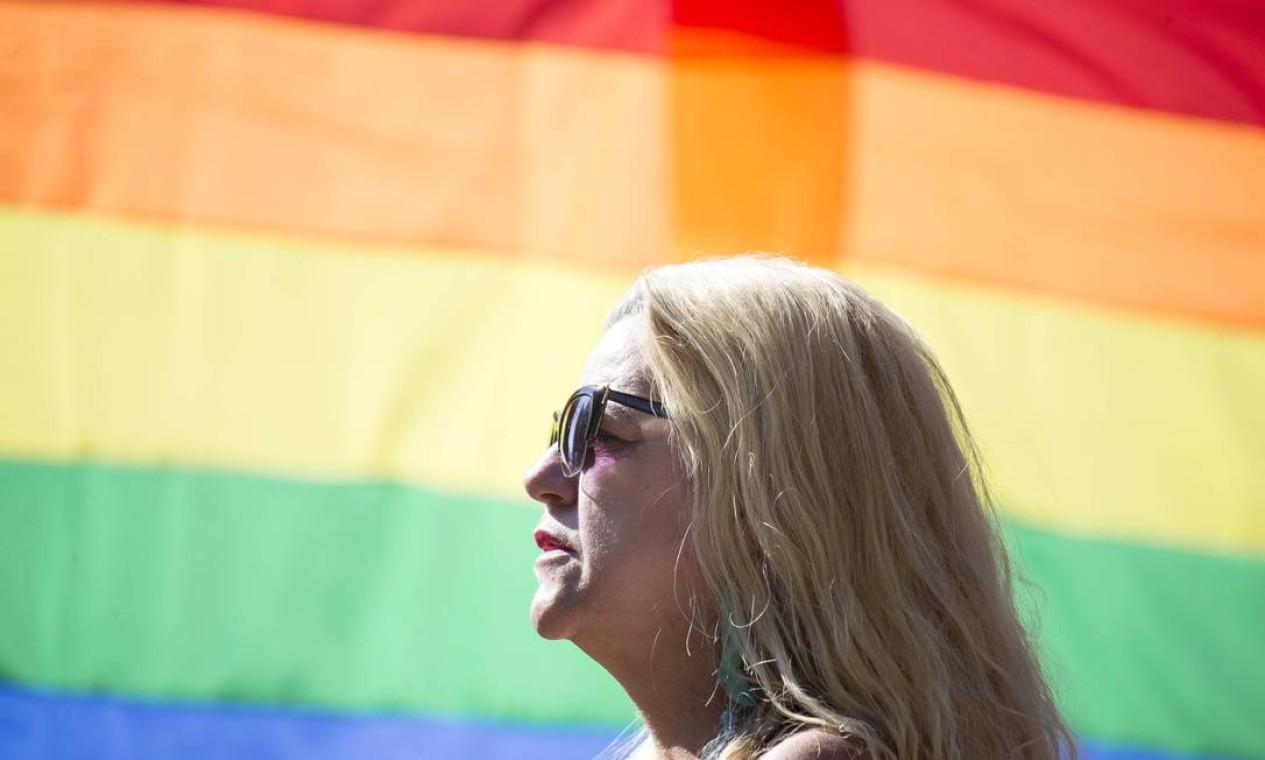 Público começa a chegar para participar da Parada do Orgulho LGBT em São Paulo Foto: Edilson Dantas / Agência O Globo