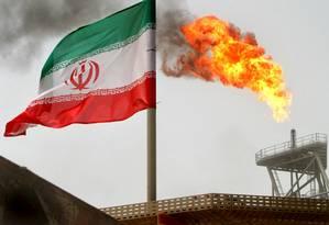 No Irã, exportações de petróleo sofrem impacto das sanções americanas Foto: Raheb Homavandi / Reuters / 25-07-2005