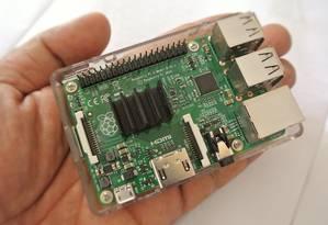 Do tamanho de um cartão de crédito, o Raspberry Pi funciona como um computador completo Foto: Pixabay