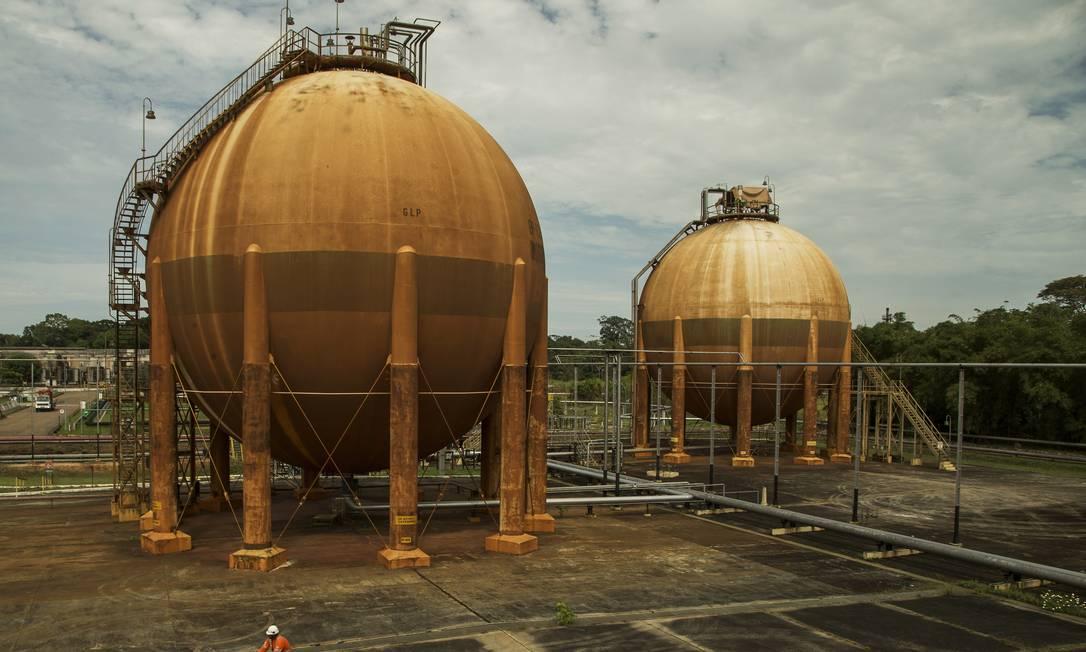 Unidade produtora de gás da Petrobras na Amazônia: o governo prevê crescimento de 2,1% no PIB industrial a cada 10% de redução no preço do gás, em consequência da abertura do setor Foto: Guito Moreto / Agência O Globo