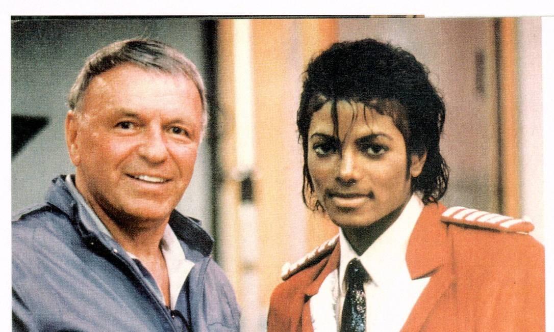 Franck Sinatra e Michael Jackson em encontro promovido pelo produtor Quincy Jones em abril de 1984 Foto: Reprodução