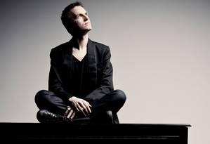 O pianista francês Alexandre Tharaud Foto: Marco Borggreve / Divulgação