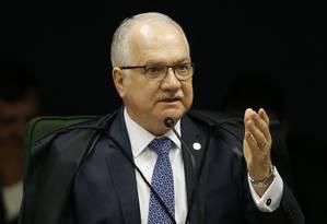 Ministro Edson Fachin, relator da Lava-Jato no STF, irá decidir sobre o caso Foto: Jorge William / Agência O Globo