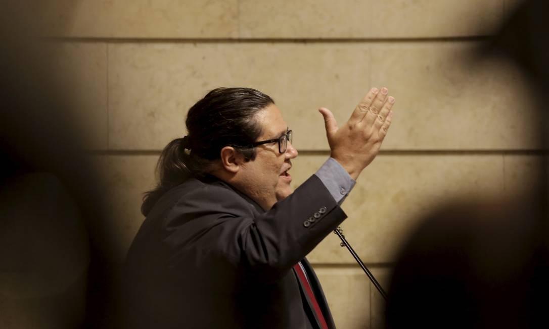 O vereador professor Tarcísio Motta Foto: Marcos Ramos / Agência O Globo