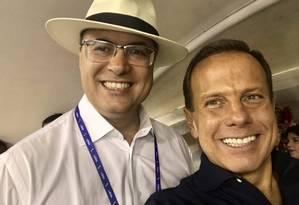 Os governadores Wilson Witzel (PSC-RJ) e João Doria (PSDB-SP) no Sambódromo durante os desfiles das escolas de samba do Grupo Especial Foto: Reprodução